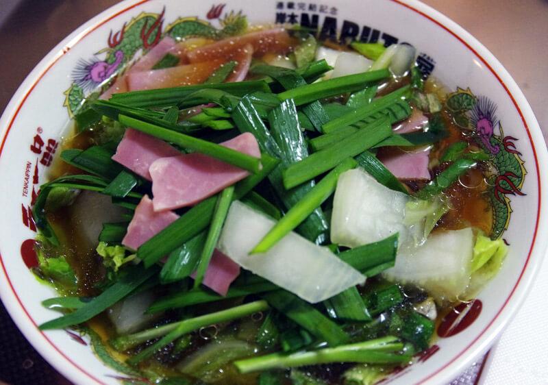 蔦 醤油Soba_野菜を投入