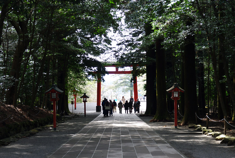 霧島神宮_本殿から見た三の鳥居