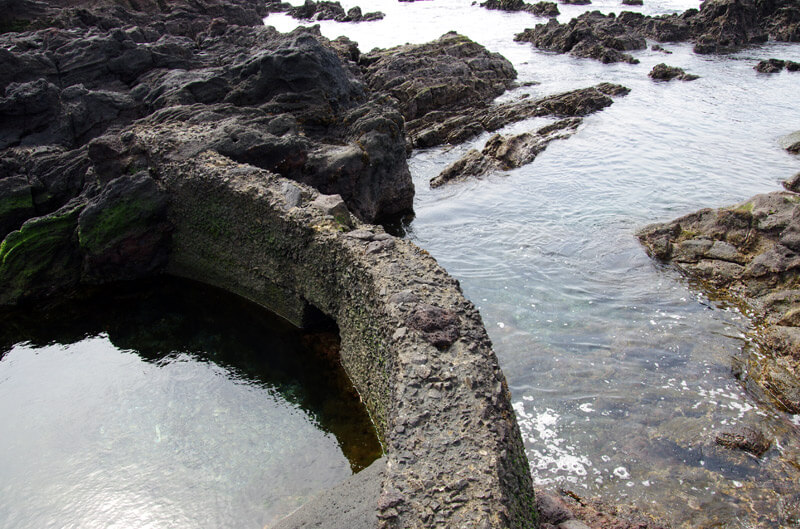 長崎鼻_岩礁の道