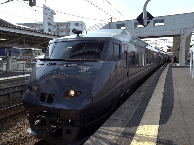 国分駅〜霧島神宮駅へ向かう電車