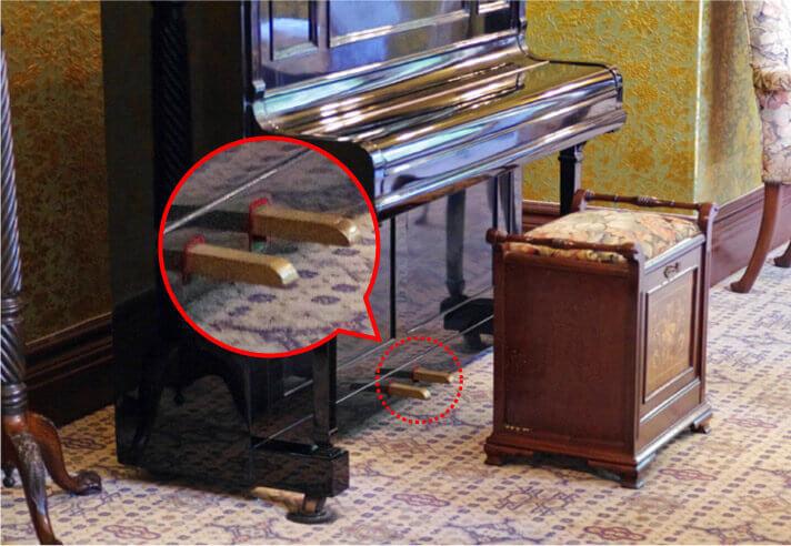 旧呉鎮守府司令長官官舎の客室にあるピアノ