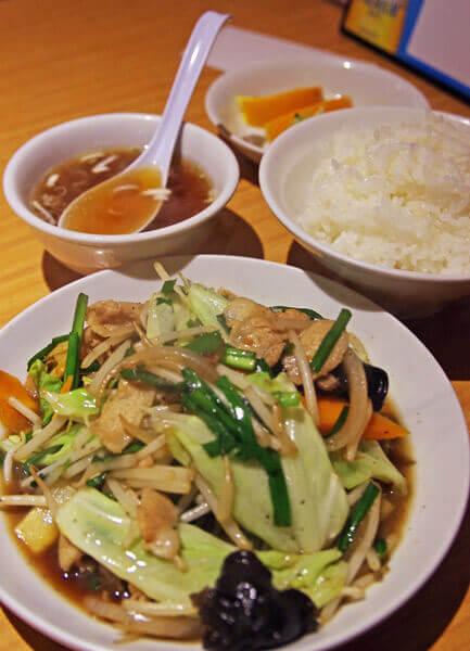 かおたんらーめん 赤坂店の肉野菜炒め定食