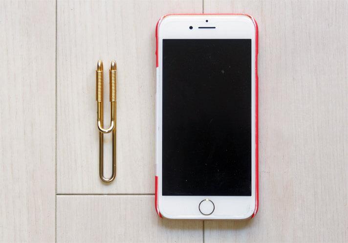 エドロバートジャドソンのクリップ型マネークリップのサイズをiPhone7で比較
