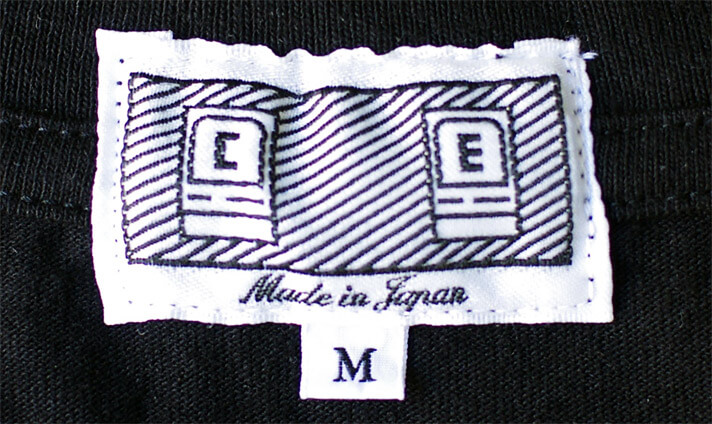 C.E(シーイー)のブランドタグ(ロゴ)