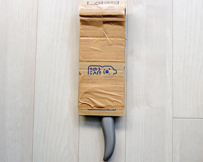包丁を捨てる際の梱包方法|手順2:ダンボールで包む