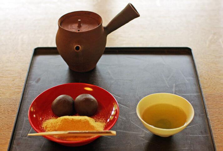 神勝寺 禅と庭のミュージアム|煎茶栗餅セット