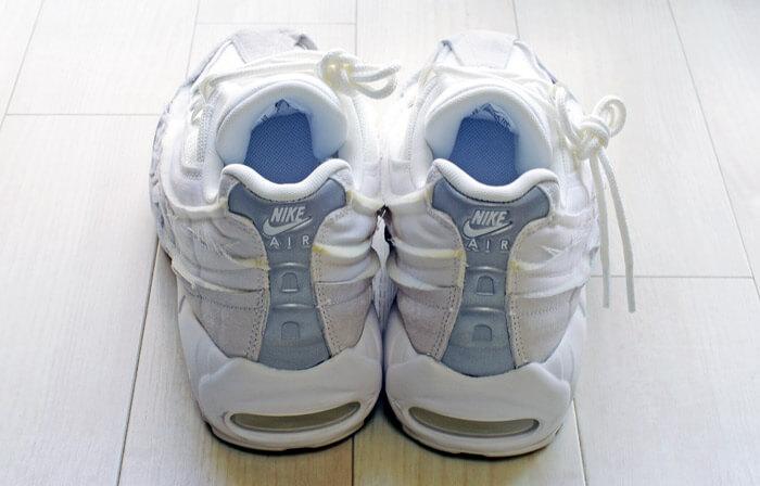 COMME des GARCONS(コム・デ・ギャルソン)× Nike(ナイキ)のコラボレーション スニーカー「Air Max 95(エアマックス 95)」|白」のヒールカウンターからの写真