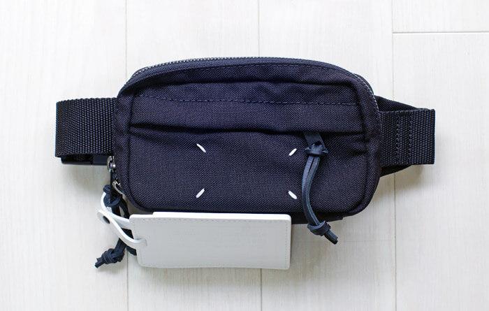 【おすすめのメンズバッグ】コンパクトで携帯性が抜群!メゾン マルジェラのウエストポーチ|前面