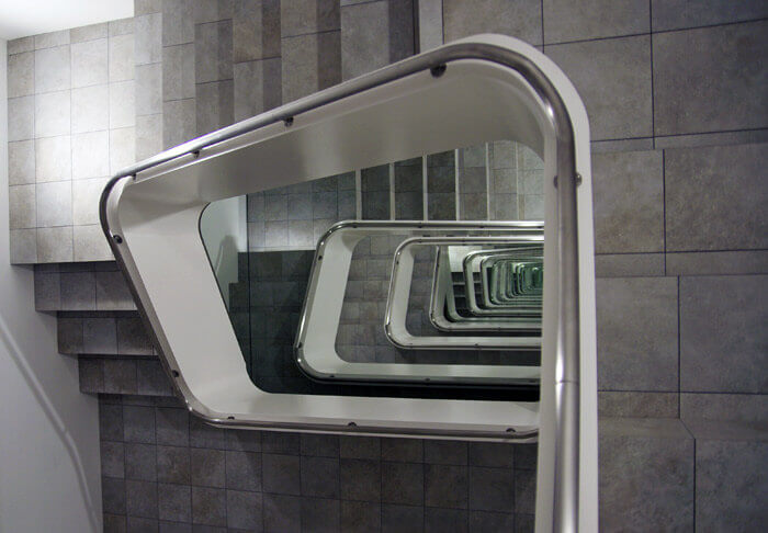 KAMU kanazawa:レアンドロ・エルリッヒのアート作品「INFINITE STAIRCASE」