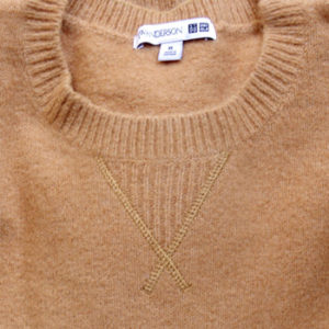 【ユニクロ×JWアンダーソン2020秋冬】ロエベのデザイナーが監修した上品なクルーネックセーター|ネックライン