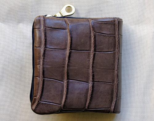 【Tochca(トーチカ)】クロコダイル内縫い折財布の表地
