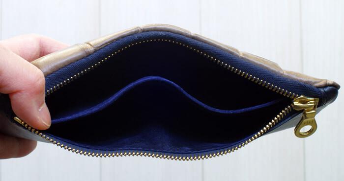 【Tochca(トーチカ)】クロコダイル内縫い折財布の内側